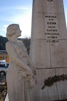 Riez, monument aux morts de la guerre de 1914-1918, monument aux morts de la guerre de 1939-1945
