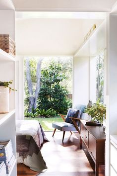House tour: Casual eclectic home in Sydney. Photo by Prue Ruscoe via Homelife Style At Home, Home And Deco, Home Bedroom, Master Bedroom, Dream Bedroom, Bedroom Ideas, Bedroom Decor, My New Room, Interior Design Inspiration