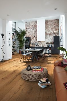 Der neue Lindura Holzboden von MEISTER Lindura- # wooden floor HD The floorboards are # pressure stable, enjoyable # warm feet, and Feet Care, Wooden Flooring, Lofts, Plank, Decoration, Hardwood, Home Improvement, Living Room, Furniture