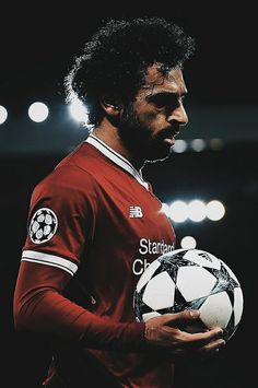 All You Need To Know About Football. Football is a game for giants. Football is made up of physically tough people, but also mentally tough ones too. Football Is Life, World Football, Soccer World, Mohamed Salah Egypt, Mohamed Salah Liverpool, Liverpool Fc, Liverpool Football Club, Premier League, Paris Saint Germain Fc