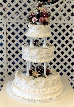 Wedding Cakes with columns   Wedding_cake_with_pillars_and_floral_decoration