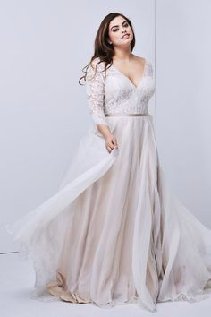 22 Designer Plus-Size Wedding Dresses That Prove Your Body is Perfect As-Is — Catalyst Wedding Co. - Plus-size wedding dress Shiloh Wedding Dress by Watters Perfect Wedding Dress, Boho Wedding Dress, Dream Wedding Dresses, Curvy Wedding Dresses, Wedding Attire, Casual Wedding, Vintage Wedding Dresses, Full Figure Wedding Dress, Diamond Wedding Dress