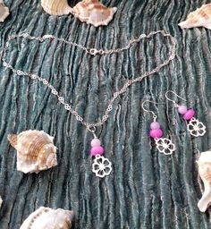 Sea Blossom - necklace and earrings set - on a 925 sterling silver heart link chain - purple and pink Quartz gemstones - handmade Purple Quartz, Purple Jewelry, Floral Necklace, Ultra Violet, Precious Metals, Earring Set, Pink Purple, Gemstone Jewelry, Sea