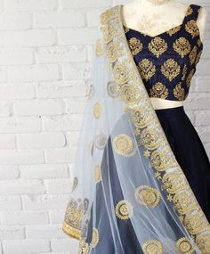 Looking for some creative Blouse Designs to go with your favourite silk saree? Check out these gorgeous blouses and tell me which one of these is your fav? Indian Lehenga, Gold Lehenga, Blue Lengha, Lengha Choli, Anarkali, Lehenga Designs, Indian Attire, Indian Wear, Indian Blouse