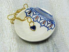 Ceramiczna miska na biżuterię, prezent Walentynki - CeramikaGAR - Pozostałe Enamel, Pendant Necklace, Ceramics, Handmade, Crafts, Accessories, Etsy, Jewelry, Fashion