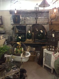 Dealer CHAT At The Antique Market Place In Greensboro, NC.