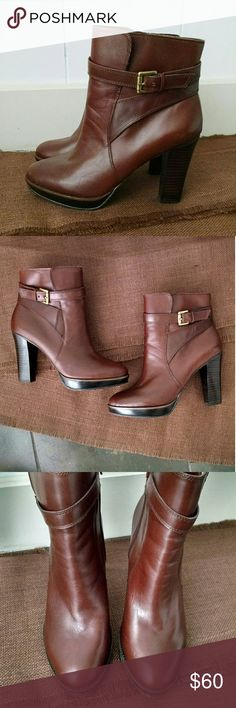 "Arturo Chiang Booties - OFFERS ARE WELCOME -  Great condition (only minor wear) Leather construction Approx. 4"" heel with 0.5""- 0.75"" platform  (depending on where you measure from) Beautiful whiskey brown color Gold hardware No smoking Arturo Chiang Shoes Ankle Boots & Booties"
