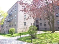 Sunny 1 Bdr Co-Op Garden Apartment in Kew Gardens Hills, Queens, NY for sale.