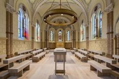 Peter Demek- Luster v Kapli sv. Františka z Assisi v Olomouci
