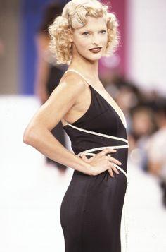 Costumes Couture, Linda Evangelista, High Fashion, Runway Fashion, Editorial Fashion, Supermodels, Catwalk, Vogue, Formal Dresses
