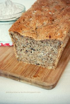 Domowy chleb pełnoziarnisty Bread Recipes, Vegan Recipes, Cooking Recipes, Bread N Butter, Sweet Desserts, Banana Bread, Food To Make, Good Food, Food And Drink
