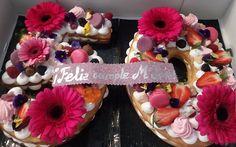 Ayer se celebró el 50 cumpleaños de MªJosé, su familia, en especial su hermana Raquel, quisieron agasajarla con una fiesta sorpresa en la que participamos todos sus familiares y amigos. Todo fue un éxito y la homenajeada lo pasó en grande. Delicias y Caprichos puso su granito de arena con una versión de tarta que …