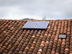 Placas solares en el tejado