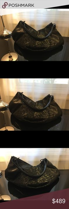 Authentic Bottega Veneta Leather Shoulder Bag Amazing Medium Shoulder Bag. Black Leather. Good Pre-Owned Condition. May show some signs of use.  Great bag for any season.   Awesome opportunity. Bottega Veneta Bags Shoulder Bags