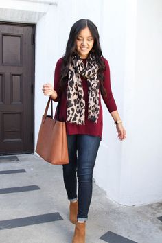Toms Outfit, Maroon Jeans Outfit, Jeans Outfit Winter, Burgundy Outfit, Fall Winter Outfits, Autumn Winter Fashion, Burgundy Cardigan, Burgundy Top, Winter Clothes