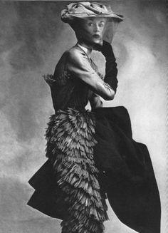 Lisa Fonssagrives-Penn wearingCristóbal Balenciaga, 1950