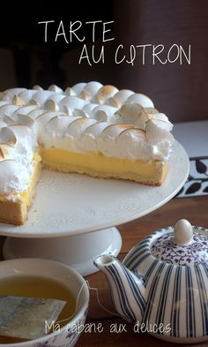 citroenschuimgebakrecept - recette -Echt citroenschuimgebakrecept - recette - Disfruta de esta Tarta de Coco junto a una rica infusión caliente Tarte au Citron Meringuée - Cuisine Addict Coconut Recipes, Pie Recipes, Snack Recipes, Cooking Recipes, Short Recipes, Dessert Recipes, Lemon Desserts, Fall Desserts, Lemon Meringue Pie
