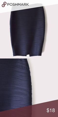 Jennifer Lopez Santorini Escape Skirt Jennifer Lopez   size medium   fully lined   textures skirt   EUC   all Pictures taken by me product shown as is Jennifer Lopez Skirts Midi