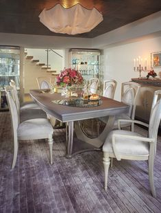 You need to choose the proper height of your table to dine in Still don't know what is the standard height of a dining table? Dining Table Height, Counter Height Chairs, Dining Set, Dining Bench, Dining Tables, Dining Rooms, New Furniture, Furniture Design, Perfect Place