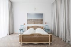 Clean scandi-style apartment located in Vienna, Austria, designed by Destilat. Scandinavian Style Bedroom, Modern Bedroom, Room Divider Curtain, Curtain Room, Interior Architecture, Interior Design, Dream Apartment, Luxury Apartments, Diy Bedroom Decor