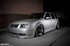 mk4-jetta-wagon-air-suspension-bagged-005 - makes me want bags!