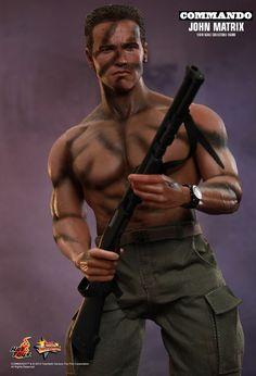 Hot Toys : Commando - John Matrix 1/6th scale Collectible Figure Military Action Figures, Custom Action Figures, Arnold Schwarzenegger Movies, Matrix 1, Terminator Movies, John Connor, Cool Toys For Boys, Green Beret, Movie Collection