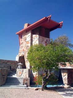 Taliesin West in Arizona, USA designed by Architect Frank Lloyd Wright (Architects studio / school / living quarters during Winter) 1 hour drive from Phoenix! Architecture Images, Beautiful Architecture, Architecture Details, Japanese Architecture, Frank Lloyd Wright Buildings, Frank Lloyd Wright Homes, Interior Natural, Prairie Style Architecture, Usonian