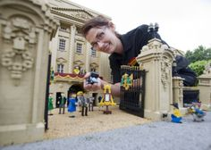 Gallery: Lego recreate the birth of royal baby Prince George | Metro UK