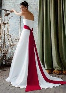 """AgooBiz.com member """"Something Borrowed Bridal Boutique"""" rents bridal gowns and more. If you are interested in a stunning wedding dress and want to save money, they may have what you are looking for.    They have many bridal gowns in many styles and sizes as well as bridal veils, shoes, petticoats, bustiers and bridal jewelry to rent. Check out their MicroSite to learn more about them."""