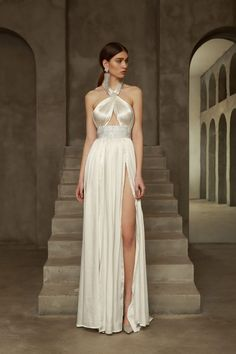 Elegant Dresses Classy, Elegant Dresses For Women, Elegant Wedding Dress, Pretty Dresses, Satin Dresses, Bridal Dresses, Prom Dresses, Fashion Show Dresses, Gowns Of Elegance