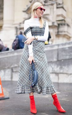 Camille Charrire is seen attending Paco Rabanne during Paris Fashion Week wearing Balenciaga Ganni on September 28 2017 in Paris France Fashion Weeks, Big Fashion, Look Fashion, Paris Fashion, Latest Fashion, Fashion Tips, Long Summer Dresses, Winter Dresses, Short Dresses