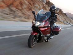http://www.totalmotorcycle.com/motorcycles/2014models/2014-BMW-K1600GT1.jpg
