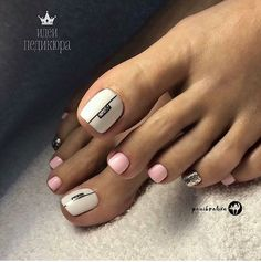 40 Toe Nail Designs Beautiful and nourished feet are a must have. Take a closer look at our suggestions for cute toe nail designs that will complement every outfit this summer. Pedicure Colors, Pedicure Designs, Manicure E Pedicure, Toe Nail Designs, Pedicure Ideas, White Toenail Designs, Nails Design, Art Designs, Pretty Toe Nails