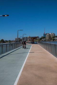 Brisbane city has the perfect climate and river front setting to support casual and relaxed vibe. Enjoy your time exploring Brisbane and get out and active on the city to New Farm river walk.: