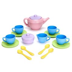Green Toys $20.99 Tea Set Talk about green tea!! Young hosts can serve up a pot of tea while doing something really good for the earth. Like all Green Toys® products, our Tea Set is made from eco-friendly materials, helping to reduce fossil fuel use and CO2 emissions. 2+ yrs. Includes 4 each of Cups, Saucers and Spoons, Creamer, Sugar Bowl with Lid and Tea Pot with Lid. Made in USA.