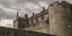 Hoje, dia 7 de outubro, celebra-se o dia Nacional dos Castelos. Estas imponentes construções continuam a fazer suspirar tudo e todos pela sua beleza, se ainda não os conhece dê pelo menos uma vista de olhos na nossa galeria e surpreenda-se pela beleza dos nossos castelos.