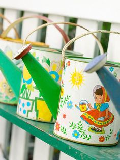 fun vintage toy watering cans - colorful addition to your garden Old Bricks, Spring Bulbs, Rustic Gardens, Flowering Vines, Vintage Toys, Vintage Shelf, Vintage Decor, Small Gardens, Gardening