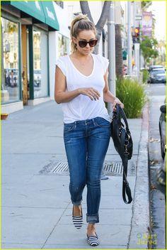 Boyfriend jeans, perfect white tee and flats #LaurenConrad