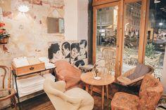 blog marseille - bonne adresse - le bistrot des dames Bon Plan Voyage, Provence France, Coffee Shop, Places To Go, Restaurant, How To Plan, Bons Plans, Hotels, Shops