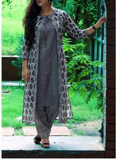 Different types of jacket salwar suits - Indian Fashion Ideas Simple Kurta Designs, New Kurti Designs, Churidar Designs, Kurta Designs Women, Long Dress Design, Dress Neck Designs, Designs For Dresses, Churidhar Neck Designs, Party Wear Indian Dresses