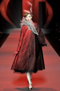 Christian Dior Spring 2011 Couture Fashion Show - Karlie Kloss (IMG)