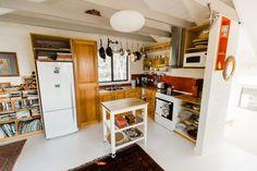 Te Kuiti Bruny Island – Te Kuiti Accommodation of Bruny Island Kitchen Dining, Kitchen Island, Bruny Island, Tasmania, French Door Refrigerator, Outdoor Dining, Kitchen Appliances, Cottage, Hotels