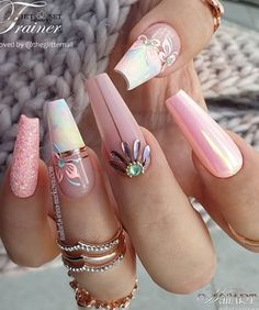 Awesome coffin nails are the hottest nails now. We collected of the most popular coffin nails. So, you don't have to spend too much energy. It's easy to find your favorite coffin nail design. Acrylic Nails Natural, Summer Acrylic Nails, Best Acrylic Nails, Summer Nails, Acrylic Gel, Glam Nails, Hot Nails, Pink Nails, Stiletto Nails