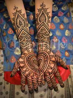 Heart bridal henna mehndi