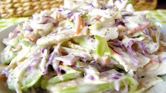 This apple coleslaw recipe looks good, but the picture does NOT seem to match the ingredients. Still, the recipe itself might work. Free Paleo Recipes, Cooking Recipes, Healthy Recipes, Diet Recipes, Chicharron Preparado, Apple Coleslaw, Apple Slaw, Paleo Vegetables, Paleo Side Dishes