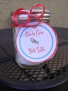 Holiday Gift Idea: Candy Cane Bath Salts - Growing Up Gabel