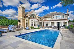 Swimming Pools Chicago: Platinum Pools traditional pool