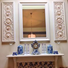 Shell panel pictures - blue and white breakfast room