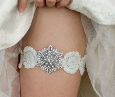 White Snowflake Wedding Garter for Winter Wedding - Bridal wedding garters set with silver and rhinestone brooch bling, diamond on Etsy, $45.99