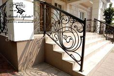 Разработка и изготовление кованых балконных ограждений. Изготовляются вручную мастерами-кузнецами под заказ. Любой сложности и стилевого направления – от дизайна до установки